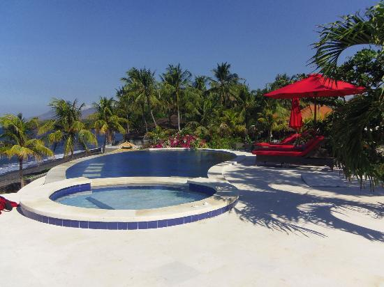 Toyabali Beach Bungalows: Piscine