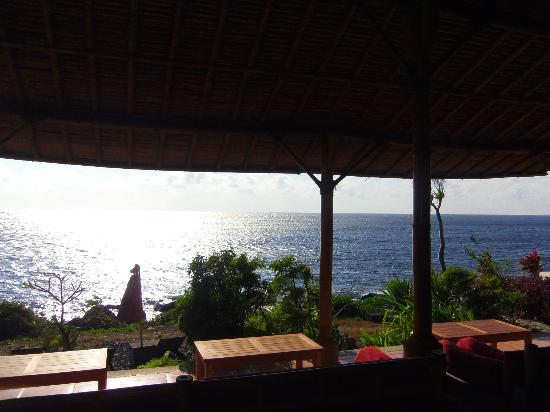 Toyabali Beach Bungalows: Vue du ptit resto