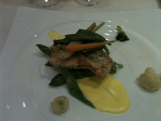 Gran Hotel Guadalpin Banus: hake from the dinner menu