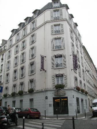 ليبرتيل مونتمارتر أوبرا: A Comfortable Central Hotel 