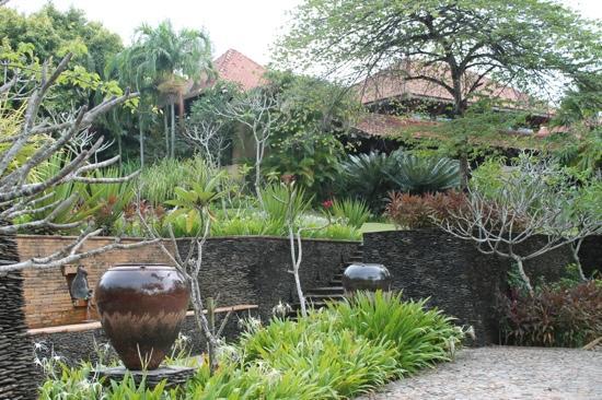 Four Seasons Resort Langkawi, Malaysia: garden