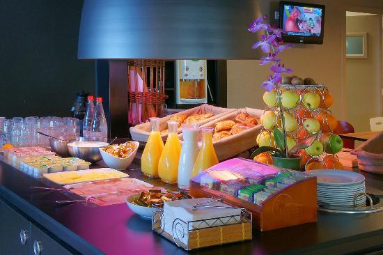 Campanile Creteil Centre : Buffet petit déjeuner