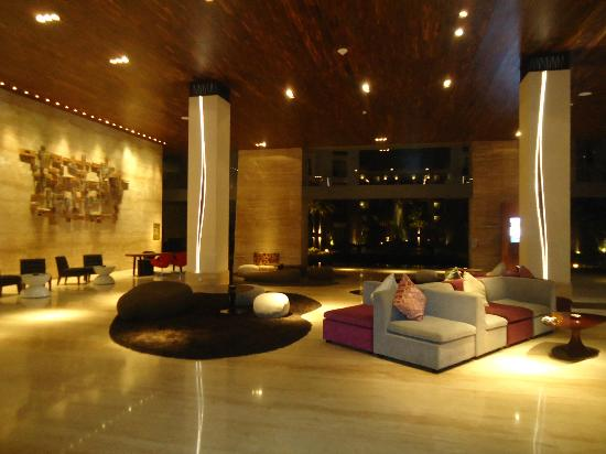 Pullman Bali Legian Nirwana: Lobby.
