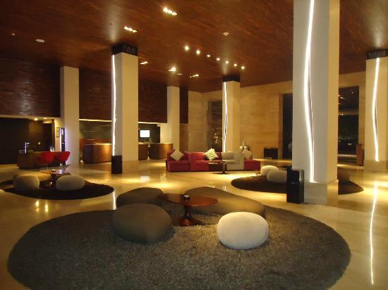 โรงแรมพูลแมน บาหลี ลีเกี้ยน เนอร์วานา: Lobby.