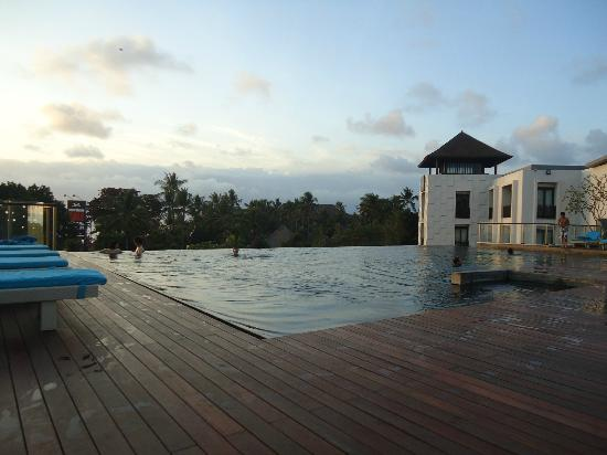 Pullman Bali Legian Beach: Rooftop Pool.