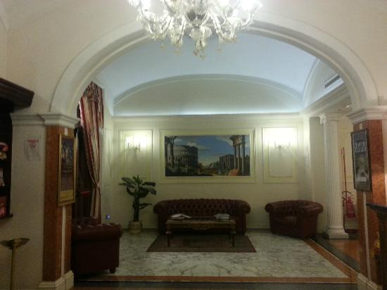 Hotel Contilia: lobby