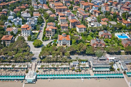 Villa Gabriella and the nice Liberty sector of Lido island sea front.