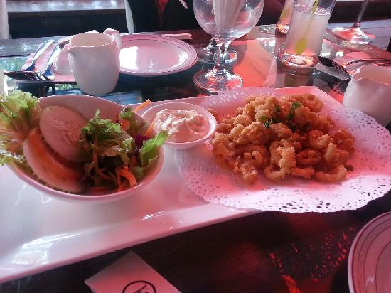 Signature Fine Dining and The Garden Bistro: calamari