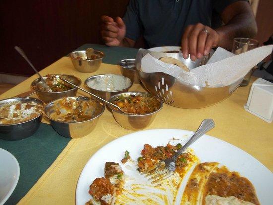 Sheetal Regency Hotel: dining