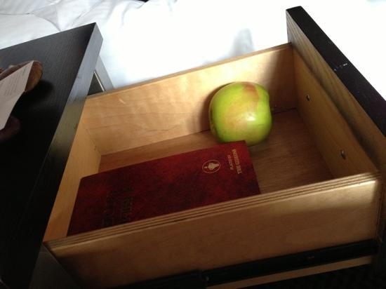 36 Hudson Hotel: Apple in the bedside table.