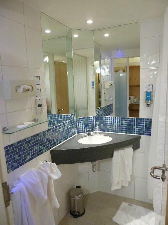 Holiday Inn Express Cambridge : salle de bain