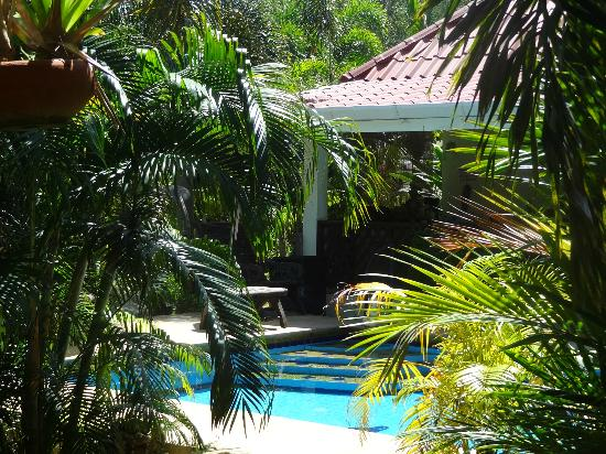 Sanuk Bungalows: Garten