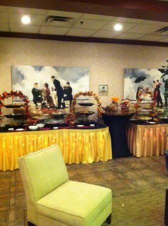 Ramada Virginia Beach Oceanfront: Food & snacks where a big big plus, I only had a chance to take the snack portion but the dinner