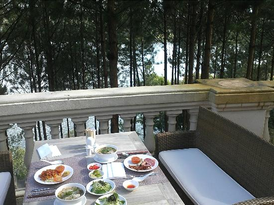 Dalat Edensee Resort & Spa: View from the restaurant when we had our breakfast