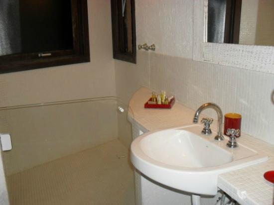Refugio do Estaleiro: banheiro