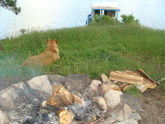 Timber Bay Lodge and Houseboats: Fire view