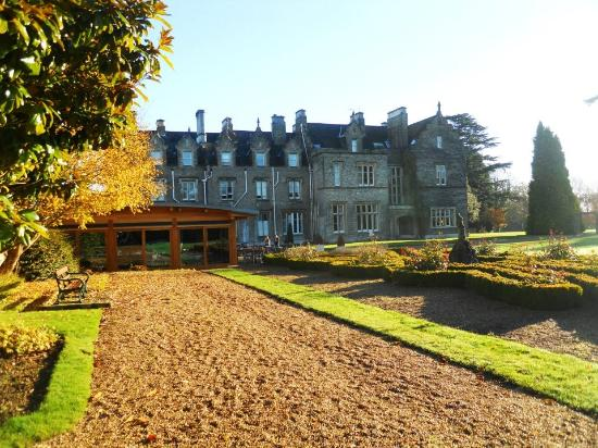Shendish Manor Hotel: hotel garden
