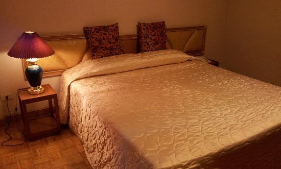 Golden House: ห้องนอน