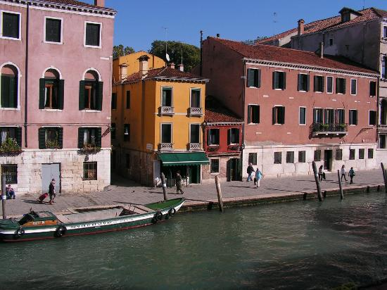 Hotel Hesperia: Venice from your window