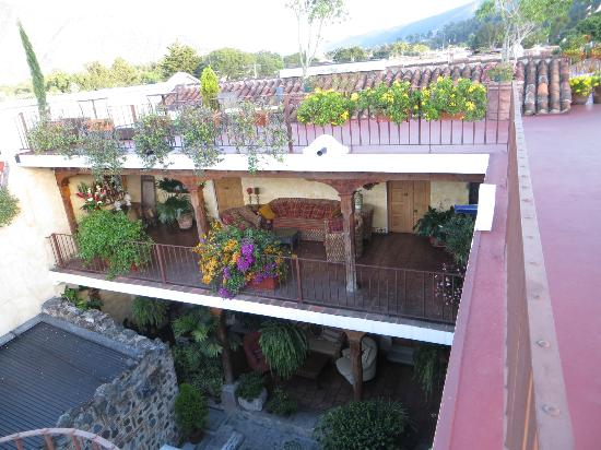 Hotel Meson de Maria: the front courtyard