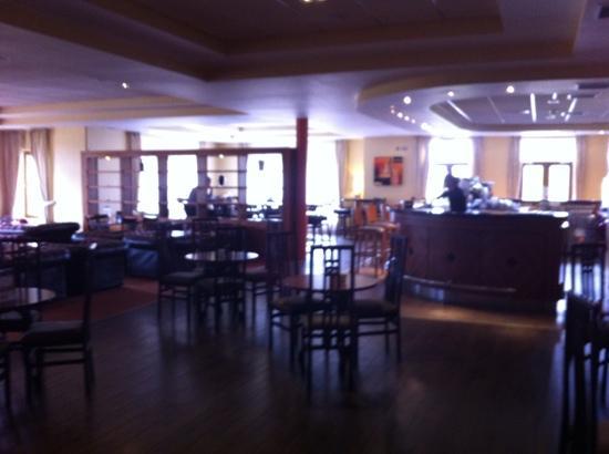 Great National Ballykisteen Golf Hotel: bar