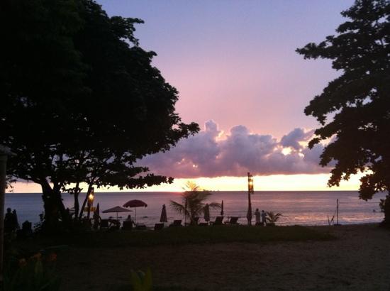 LaLaanta Hideaway Resort: view from pool