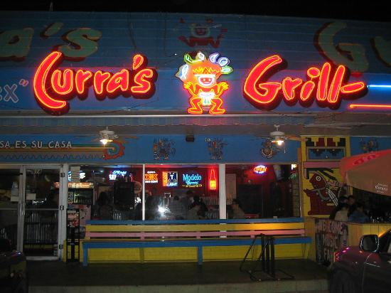 Curra's Grill: Signage in front