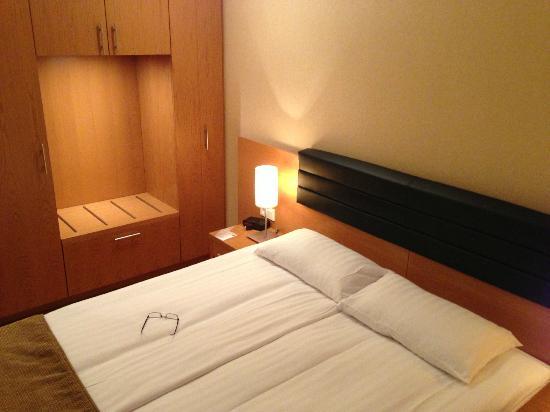 هوتل ريكيافيك سينترم: Queen size bed.