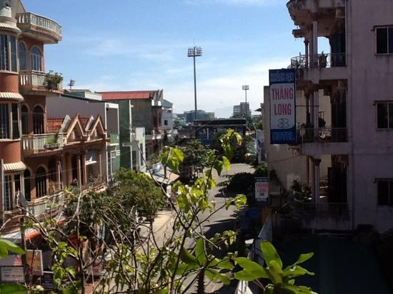 Hong Thien Backpackers Hotel: view from our balcony