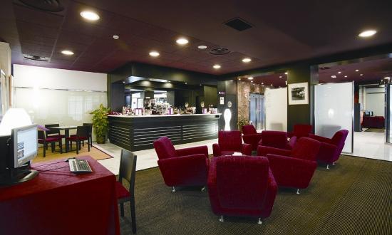 Petit Palace Madrid Aeropuerto Hotel: Bar/Cafetería