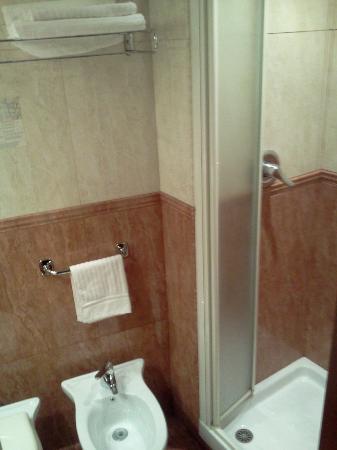 Dipendenza Hotel Smeraldo: Bathroom