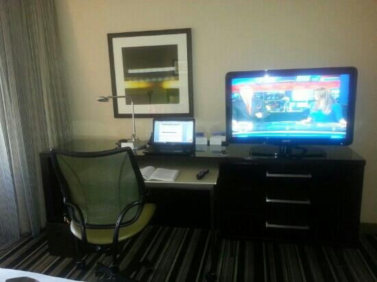 Hyatt Regency Indianapolis: comfortable, spacious work area