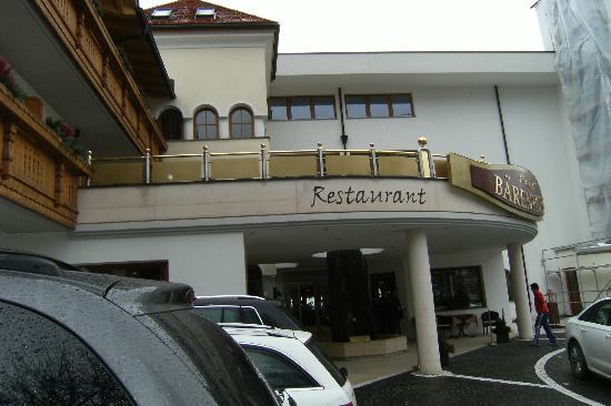 Baerenhotel: frontale da strada