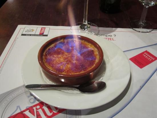 La Pomme D'Or : Creme Brûlée served flaming tableside