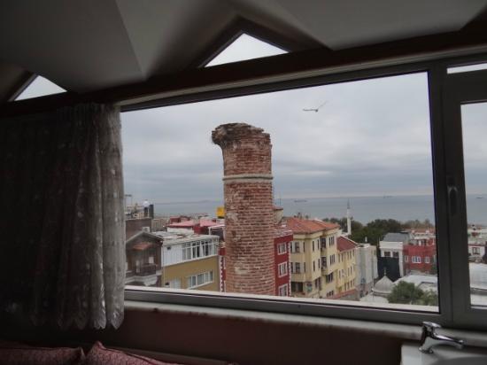 Ada Hotel Istanbul: Vista do apartamento