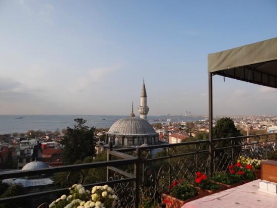 Ada Hotel Istanbul: Vista do terraço