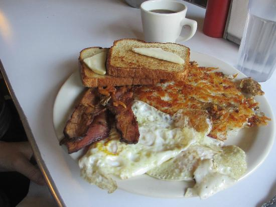 Wienery: Eggs over easy, bacon, hash browns, and bacon