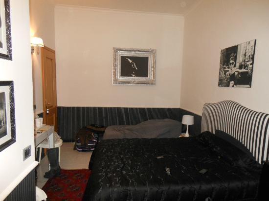 Sweet Dreams INN: sleeping room