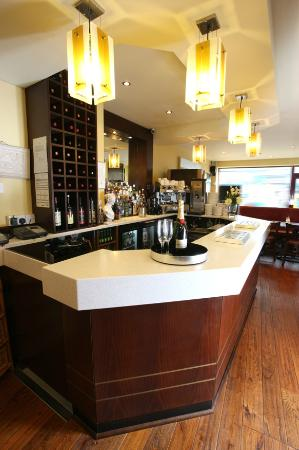 Nicky's Fish Bar & Restaurant: Bar View 3