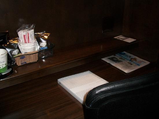 Hampton Inn Janesville: Desk