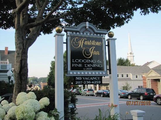 Hartstone Inn & Hideaway: Street sign