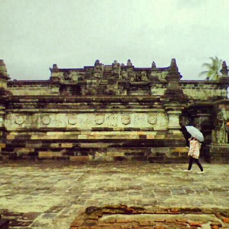 Penataran Temple: the biggest temple in the complex