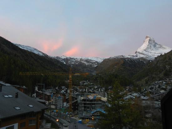 Hotel Bella Vista: Sunset over Matterhorn