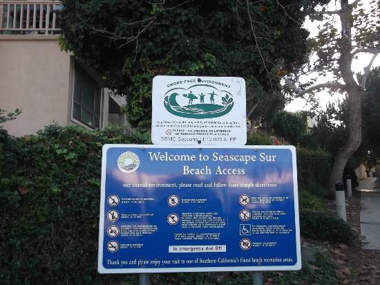 Holiday Inn Express Solana Beach/Del Mar: Smoke free beaches...love it!  Access to beach