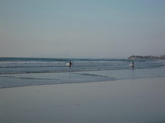 Holiday Inn Express Solana Beach/Del Mar: Someone was always surfing!
