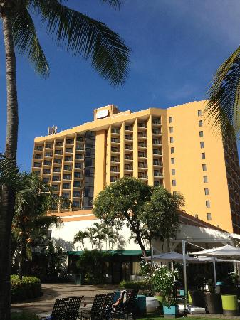 Courtyard by Marriott Isla Verde Beach Resort: View of hotel (east side)