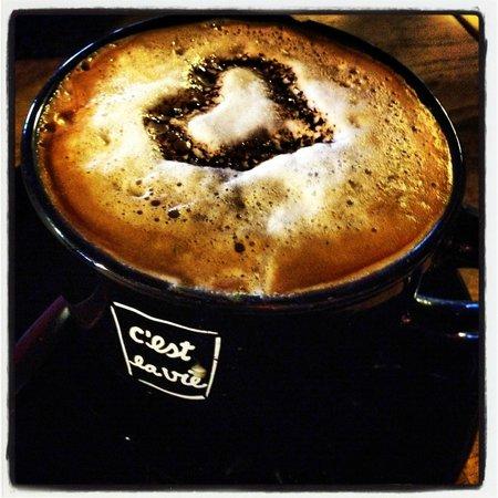 C'est la vie café : Rempli d'amour