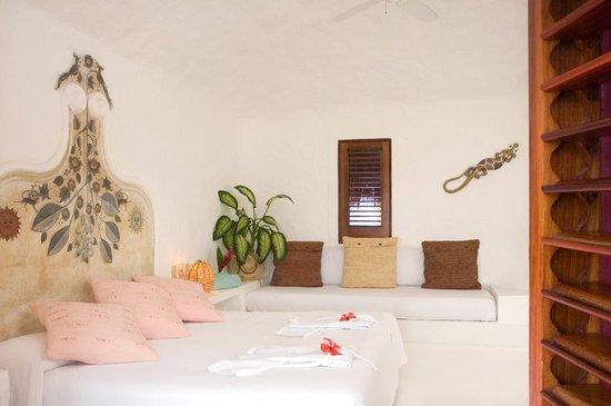 Costa Careyes: Interior de Bungalow