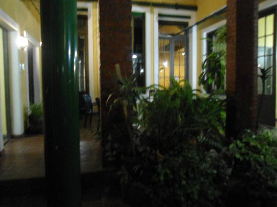 Petit Recoleta Hostel: patio