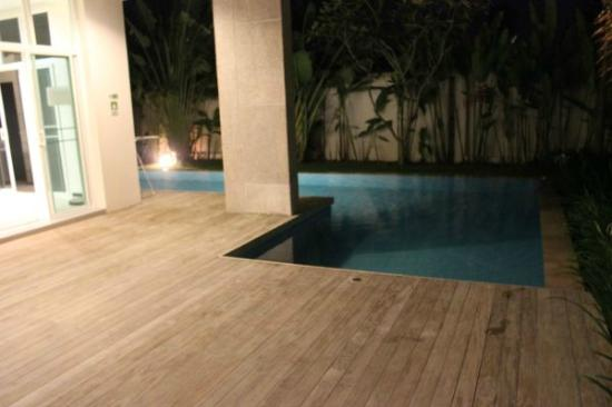Two Villas Holiday Oriental Style Naiharn Beach: pool